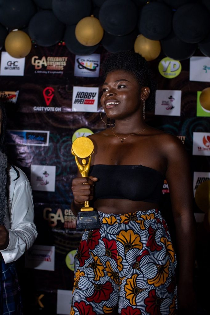 RISING TEEN STAR NAYA VERA WINS NEW ARTIST OF THE YEAR AT CELEBRITY BUSINESS AWARDS